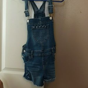 Overall shorts set